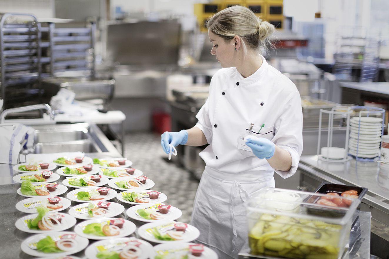 Les cuisiniers en di t tique courtis s hotellerie for Cuisinier etude
