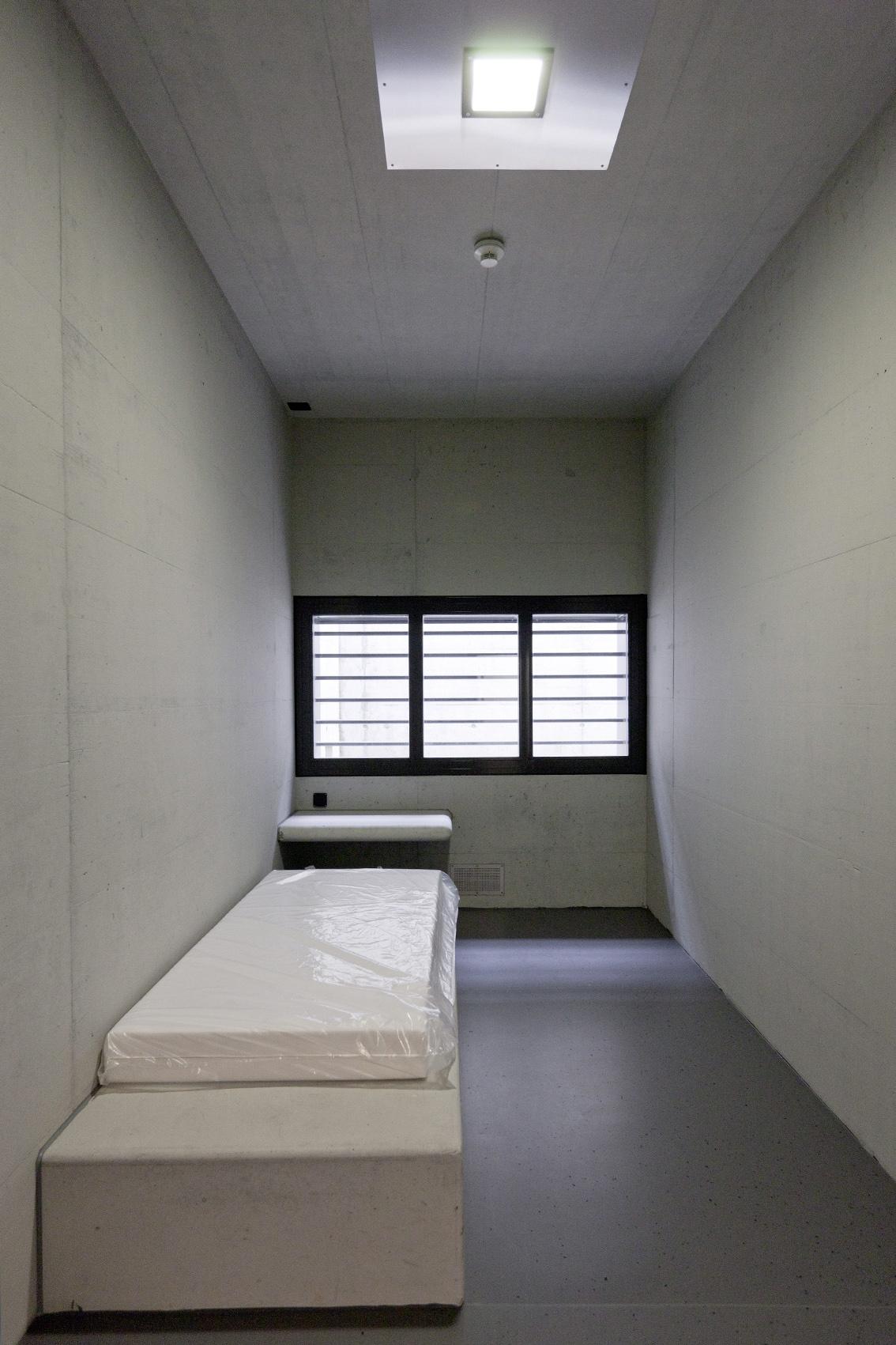 Dating eines Typen, der ins Gefängnis ging